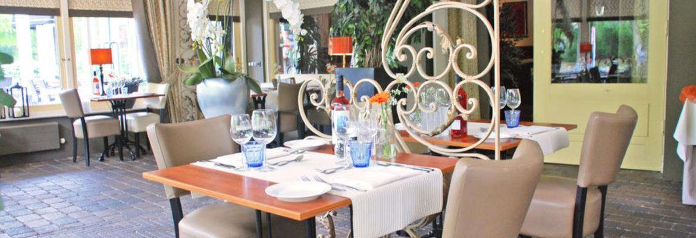 Fletcher Hotel-Restaurant Apeldoorn ligt ook in de buurt en is misschien interessant