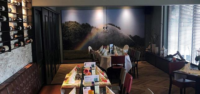 Je kunt nu ook reserveren bij Partycentrum Den Heuvel in Mierlo via BonChef.nl